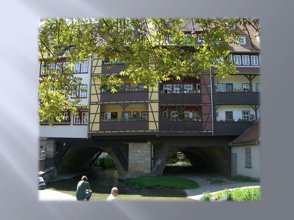 Krämerbrücke eine der Hauptsehenswürdig- keiten der Stadt