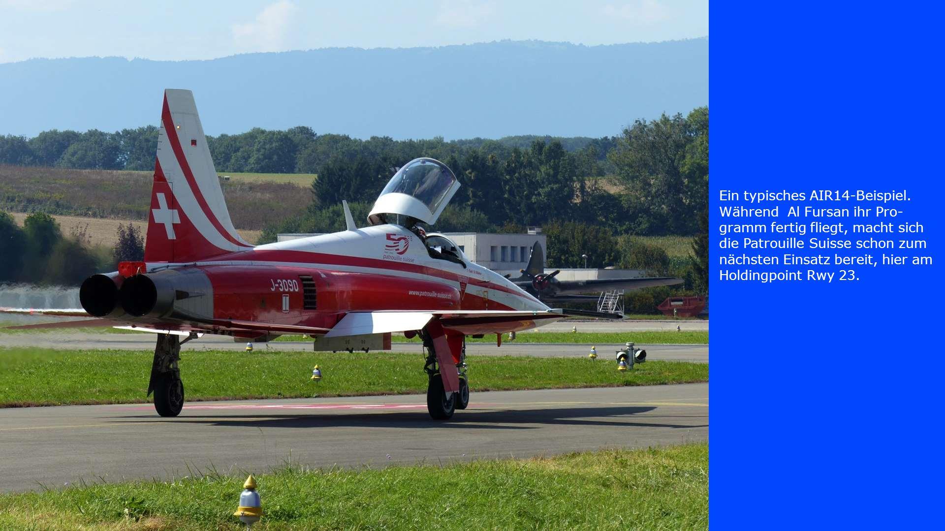 Ein typisches AIR14-Beispiel. Während Al Fursan ihr Pro- gramm fertig fliegt, macht sich die Patrouille Suisse schon zum nächsten Einsatz bereit, hier