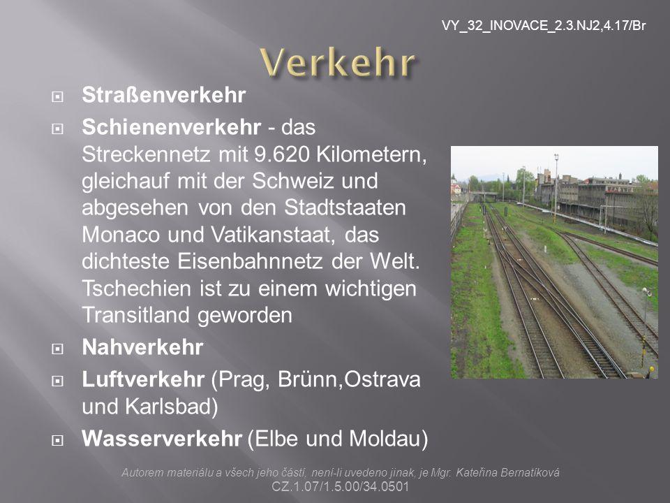  Straßenverkehr  Schienenverkehr - das Streckennetz mit 9.620 Kilometern, gleichauf mit der Schweiz und abgesehen von den Stadtstaaten Monaco und Vatikanstaat, das dichteste Eisenbahnnetz der Welt.