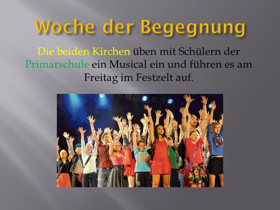 Die beiden Kirchen üben mit Schülern der Primarschule ein Musical ein und führen es am Freitag im Festzelt auf.