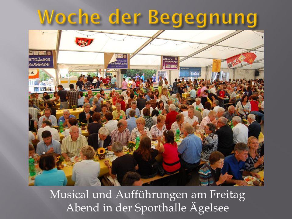 Musical und Aufführungen am Freitag Abend in der Sporthalle Ägelsee