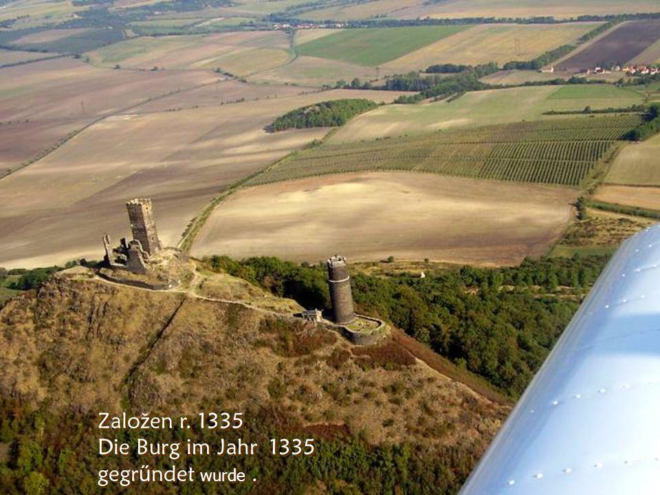 Z ř ícenina hradu Hazmburk u Libochovic 418m n.m. Neben de r Stadt Libochovice wieder eine Burgruine –Hazenburg zu sehen ist