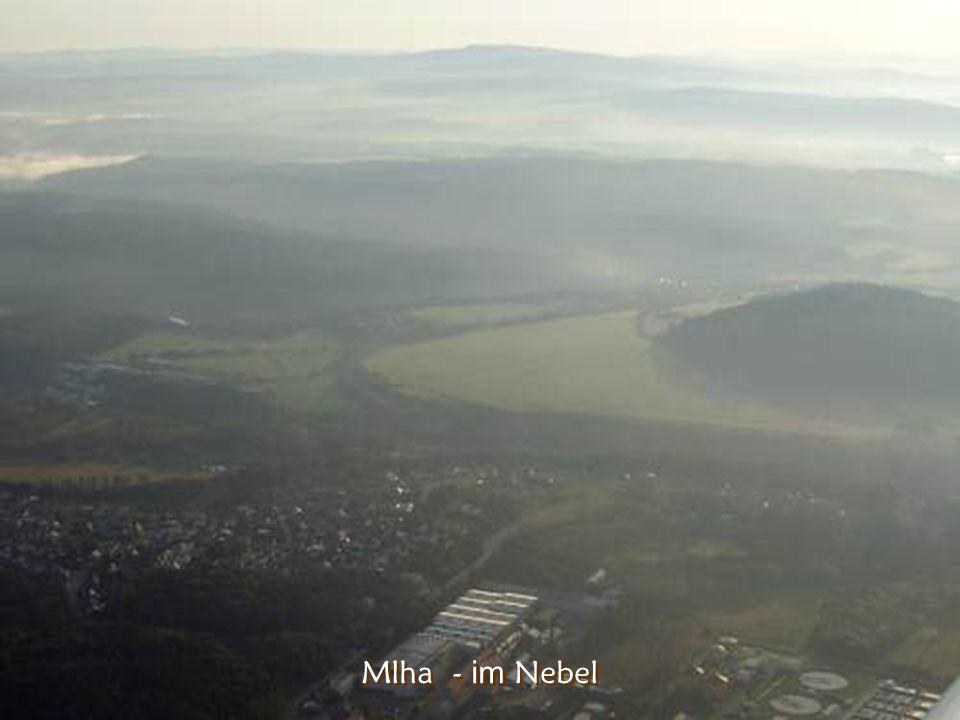 Milešovka zblízka – Die Kuppe des Milešovka aus der Nahe (837m n. m.)