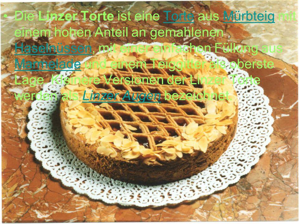 Die Linzer Torte ist eine Torte aus Mürbteig mit einem hohen Anteil an gemahlenen Haselnüssen, mit einer einfachen Füllung aus Marmelade und einem Tei