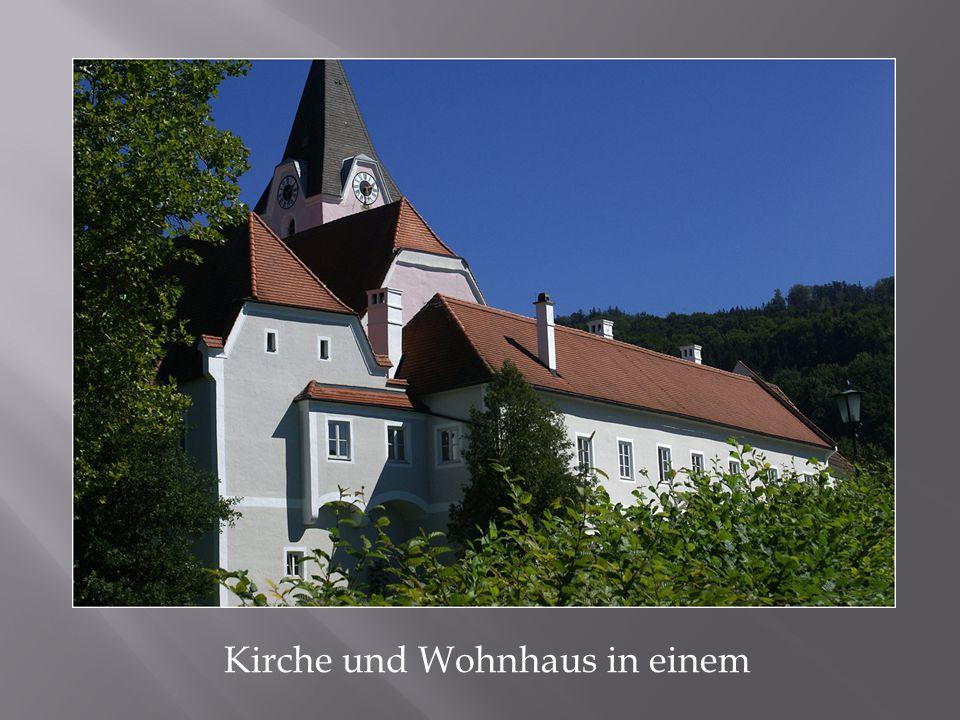 Kirche und Wohnhaus in einem