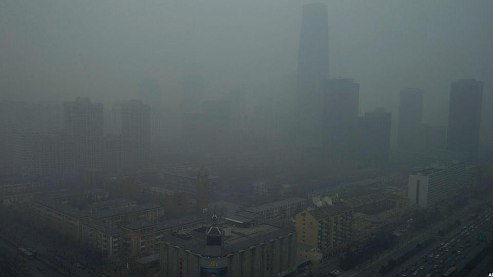 Gott sei Dank, daß die Menschen noch nicht fliegen können und den Himmel ebenso verschmutzen wie die Erde. Henry David Thoreau 1817