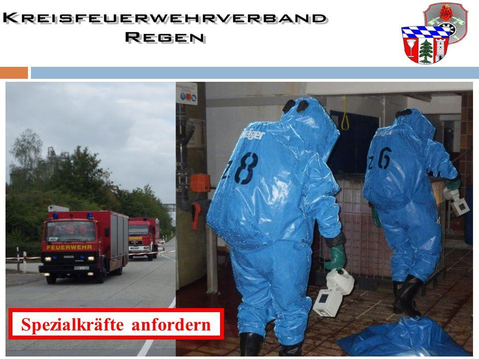 Spezialkräfte über Leitstelle nachfordern Gefahrgutzug LKR RegenPrivate Firmen oder TUIS