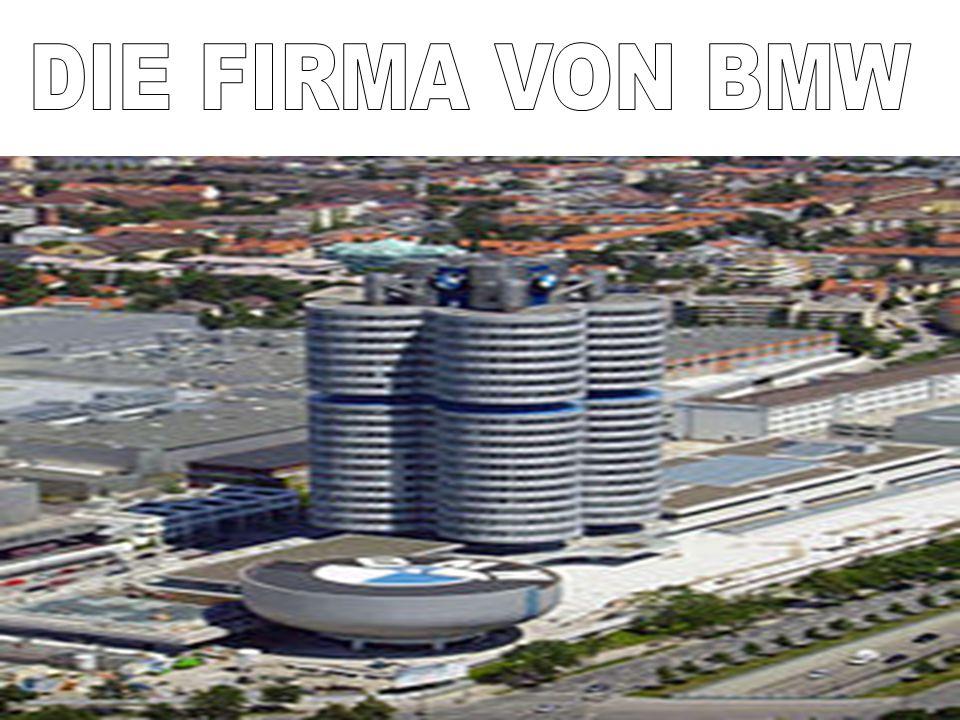 Nach dem Krieg lief mit dem BMW 501 1951 die Fahrzeugproduktion in München mit einigen Verzögerungen wieder an.
