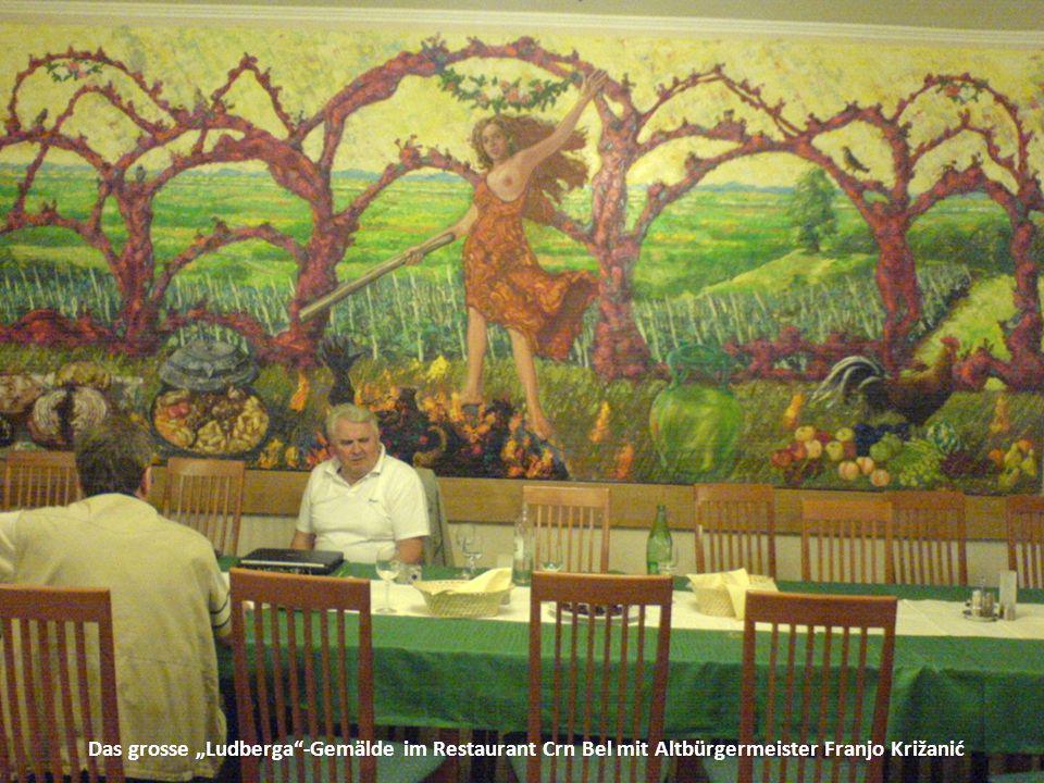 """Das grosse """"Ludberga""""-Gemälde im Restaurant Crn Bel mit Altbürgermeister Franjo Križanić"""