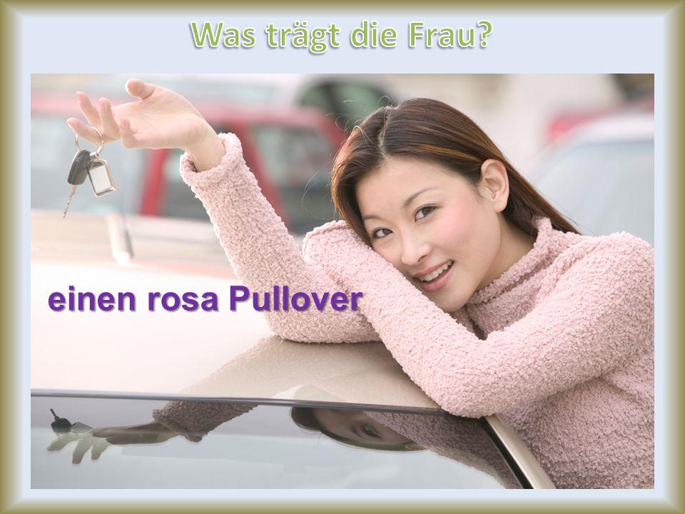einen rosa Pullover