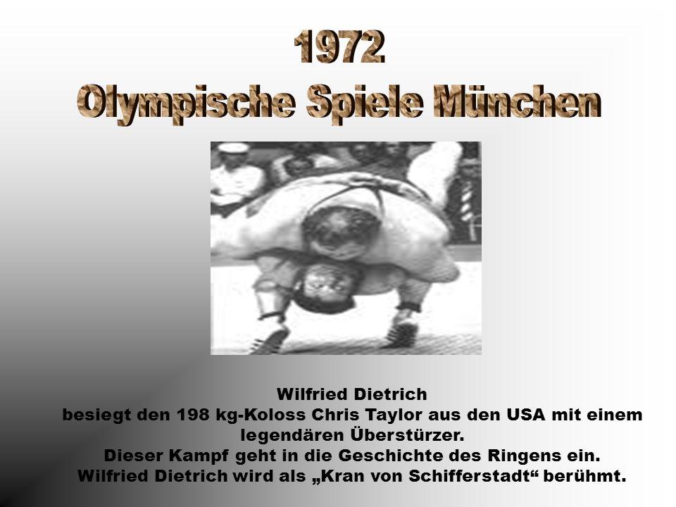 Wilfried Dietrich besiegt den 198 kg-Koloss Chris Taylor aus den USA mit einem legendären Überstürzer. Dieser Kampf geht in die Geschichte des Ringens