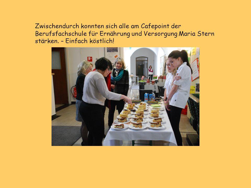 Zwischendurch konnten sich alle am Cafepoint der Berufsfachschule für Ernährung und Versorgung Maria Stern stärken. – Einfach köstlich!