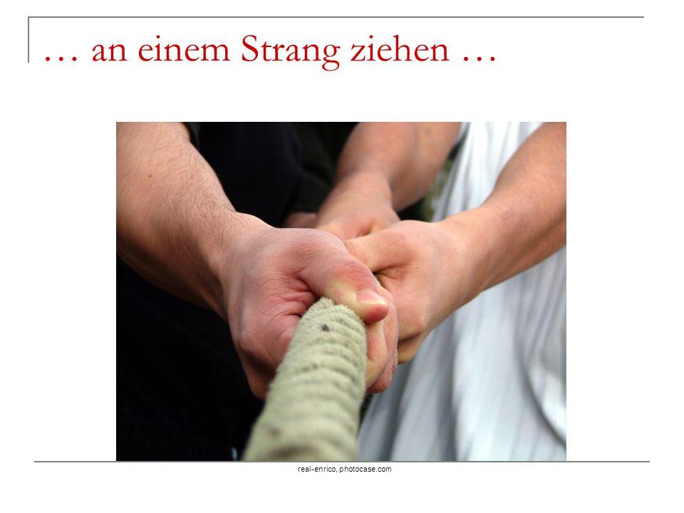 … an einem Strang ziehen … real-enrico, photocase.com