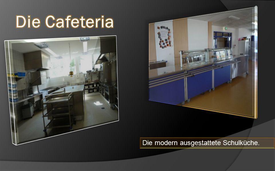Die modern ausgestattete Schulküche.