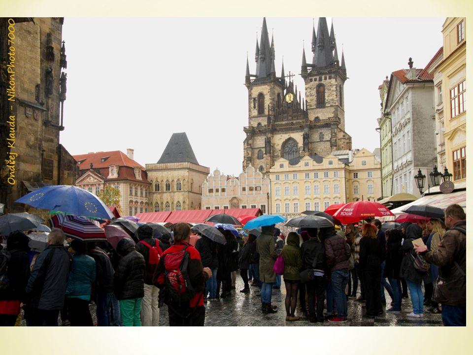 * Die Neruda-Straße wurde 1267 gegründet.* Sie war ein Teil des Königswegs.