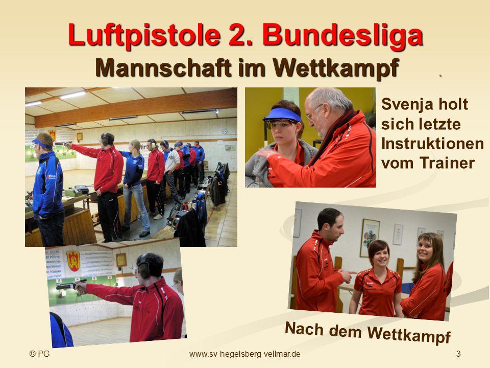 © PG 3www.sv-hegelsberg-vellmar.de Luftpistole 2. Bundesliga Mannschaft im Wettkampf. Svenja holt sich letzte Instruktionen vom Trainer Nach dem Wettk