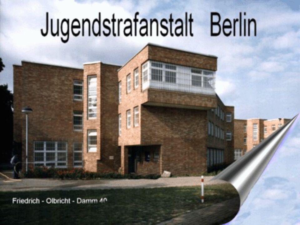 Aufnahme- bereich Werk- betriebe und Schule 6 Verwaltung 3 25 41 Sporthalle Gärt- nerei Lageplan Jugendstrafanstalt Berlin Sport- halle Werk- betriebe Haus 9 Haus 8 Werkbetriebe