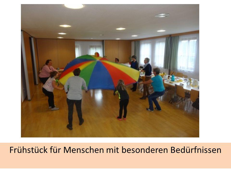 Generationenprojekt: Kochen im Wandel der Zeit Ausstellung in d. Mittelschule und Abschlussveranstaltung