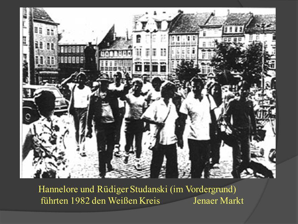 1982/83 unabhängige Friedensbewegung(3) 1983 Jenaer Weißer Kreis weiße Blusen und weiße T-Shirts, gewaltfreie Demonstration Tätigkeit: Demonstration am 18.