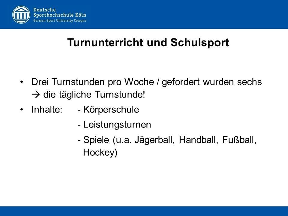 Drei Turnstunden pro Woche / gefordert wurden sechs  die tägliche Turnstunde! Inhalte:- Körperschule - Leistungsturnen - Spiele (u.a. Jägerball, Hand