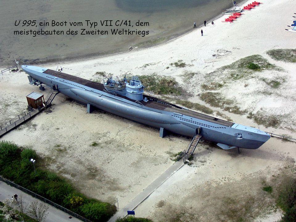 Im Zweiten Weltkrieg sah sich die Führung der Deutschen Kriegsmarine zu Kriegsbeginn einer recht starken feindlichen Flotte gegenüber. Mehr und mehr U
