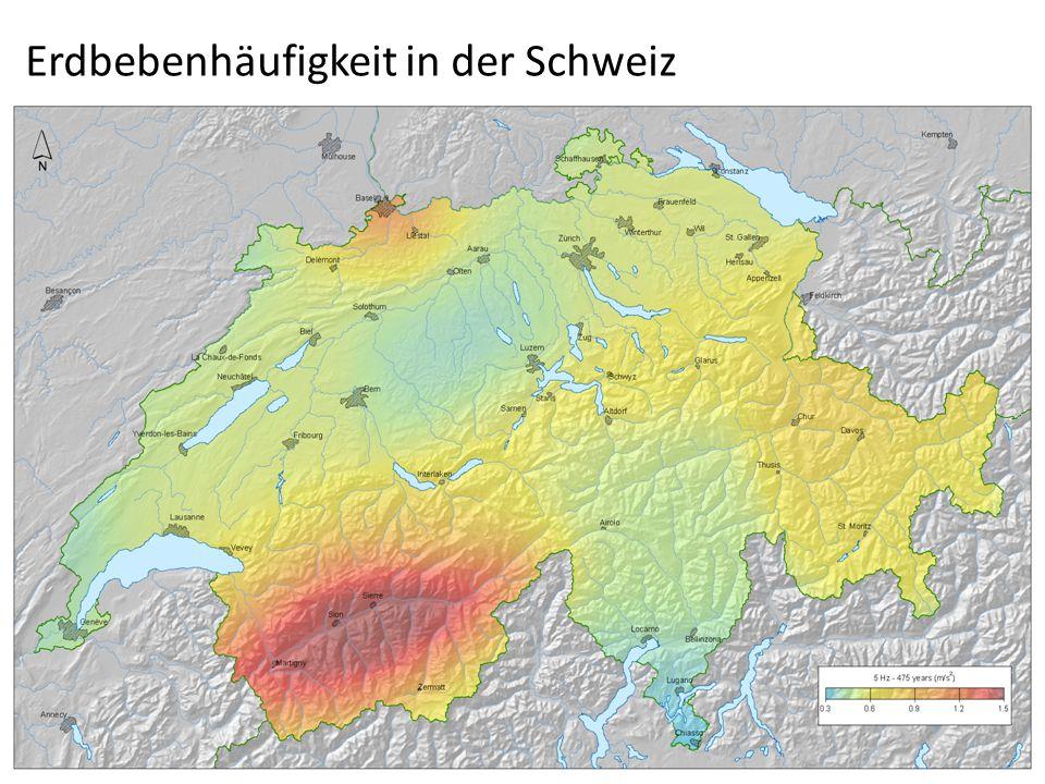 Erdbebe n 90% aller Beben im Bereich von Plattengrenzen Gefährlichste Beben: Flachbeben (0-70km tief) Tiefbeben entlang von Subduktionszonen