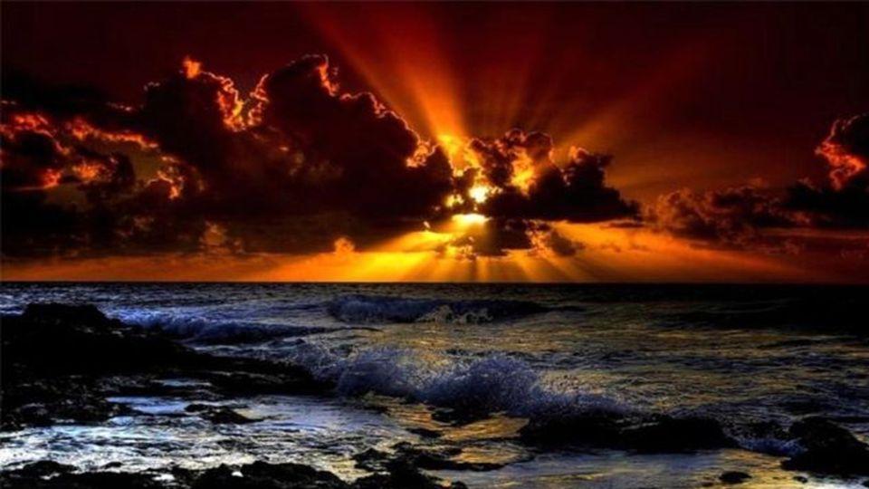 Der Widerschein der Sonne in einem Tautropfen ist nicht weniger schön als die Sonne selber, und die Spiegelung des Lebens in eurer Seele ist nicht wen