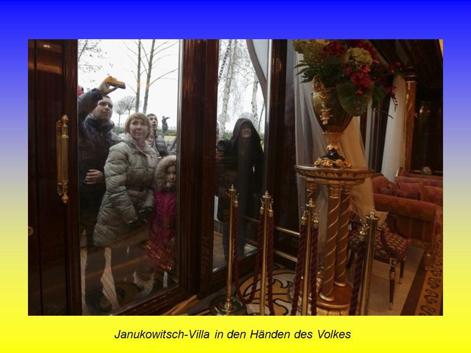 Janukowitsch-Villa in den Händen des Volkes