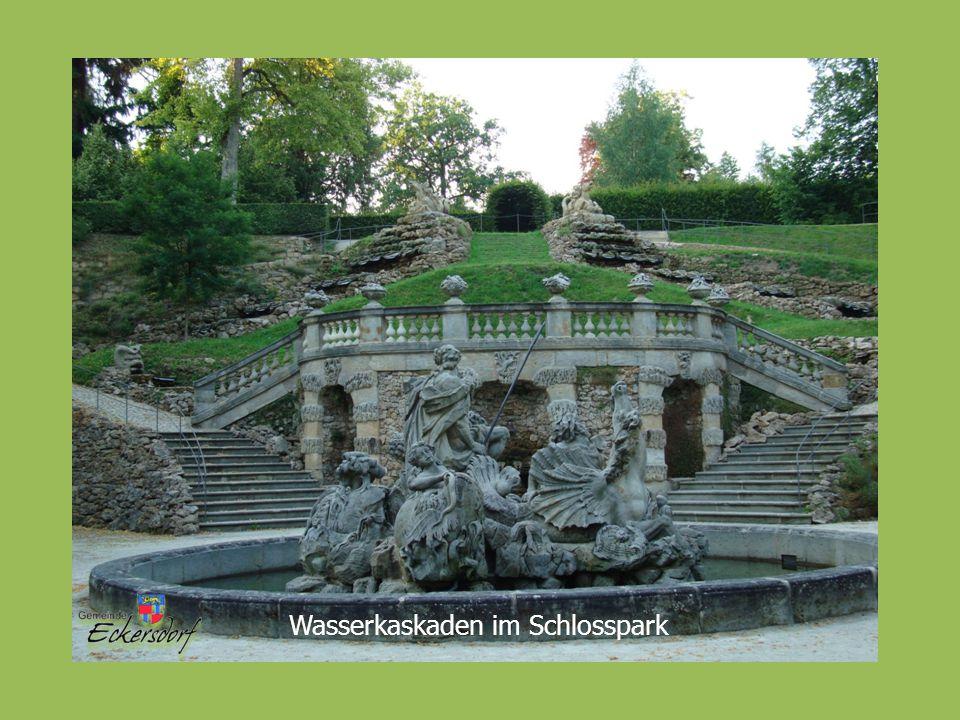 Wasserkaskaden im Schlosspark