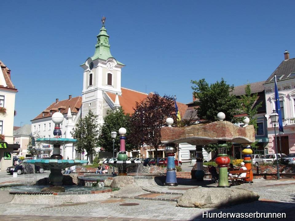 ist eine Stadtgemeinde im nordwestlichen NÖ und zählt mit einer Fläche von 256 km² nach Sölden, Wien und Wolfsberg in Kärnten zu den flächenmäßig größten Gemeinden Österreichs und ist auch die Hauptstadt des gleichnamigen Bezirks.