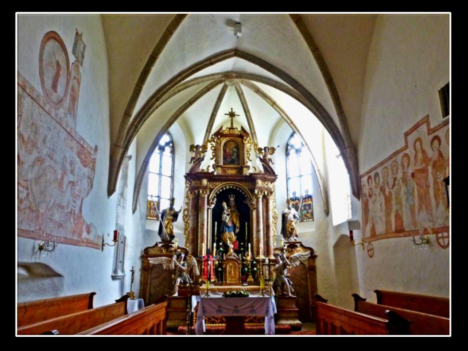 Neukirchen am Ostrong Neukirchen ist eine uralte Wallfahrtskirche,fast 550 Jahre älter als Maria Taferl. Der Urkern der Kirche ist romanisch, wie die
