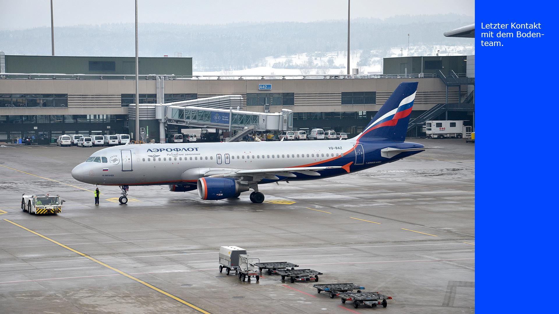 Der russische Airbus rollt zum Start.