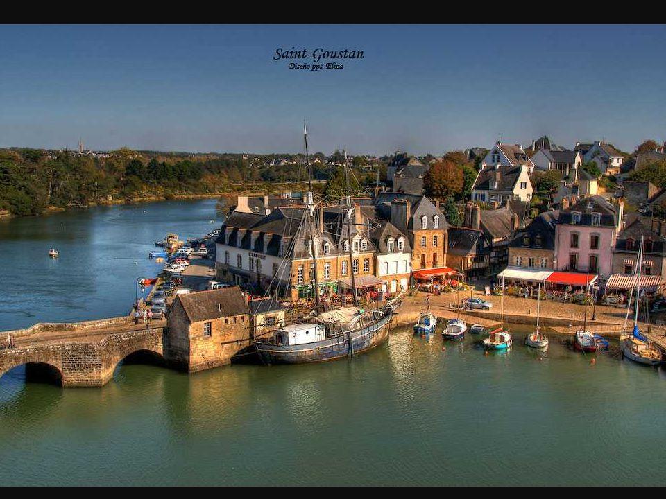 Saint-Goustan Beim passieren der Brücke an der Schnellstraße zwischen Vannes und Lorient ist ein Hafen, der die Ansicht von der Unterseite eines Flusses zieht.
