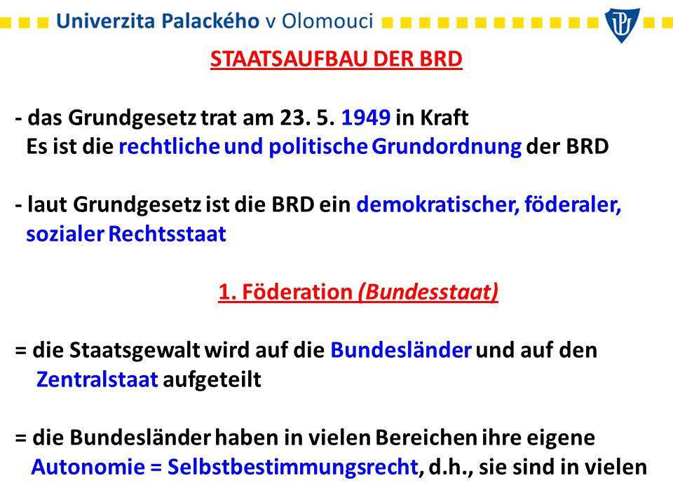 : auf Vorschlag des Bundeskanzlers ernennt und entlässt die Minister : darf den Bundestag auflösen : setzt die Gesetze in Kraft : kann Straftäter begnadigen : das Vetorecht gesteht dem Präsidenten nicht zu