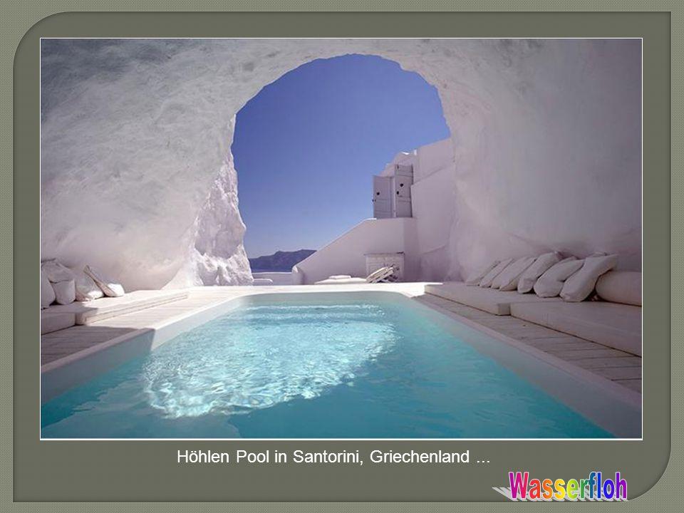 Höhlen Pool in Santorini, Griechenland...