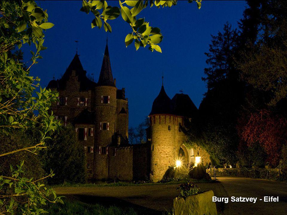 Schloss Neuhaus - Paderborn