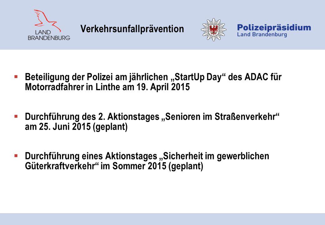 """ Beteiligung der Polizei am jährlichen """"StartUp Day"""" des ADAC für Motorradfahrer in Linthe am 19. April 2015  Durchführung des 2. Aktionstages """"Seni"""