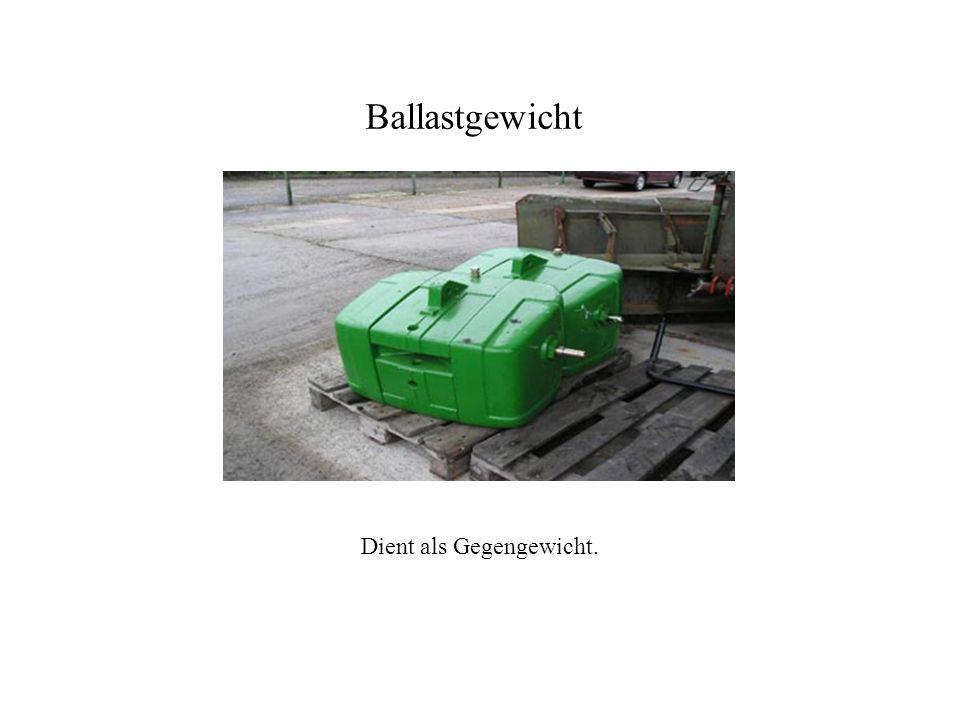 Anbau der Bodenbearbeitungsgeräte. 3-Punkt-Anbau