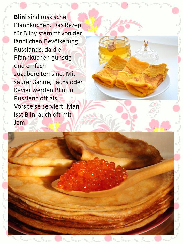 Blini sind russische Pfannkuchen. Das Rezept für Bliny stammt von der ländlichen Bevölkerung Russlands, da die Pfannkuchen günstig und einfach zuzuber