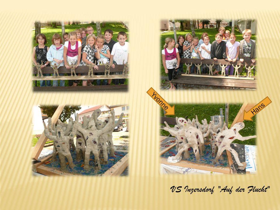 Auf der Flucht Zuerst haben wir Holzfiguren mit Draht umwickelt.
