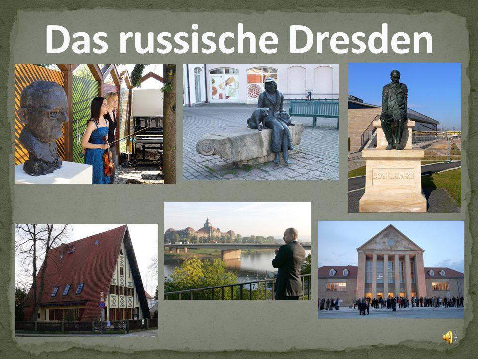 Denkmal-Fuerst-Putjatin-sitzend-auf- einer-Schaukel-in-Dresden- Kleinzschachwitz