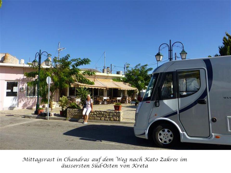 Mittagsrast in Chandras auf dem Weg nach Kato Zakros im äussersten Süd-Osten von Kreta