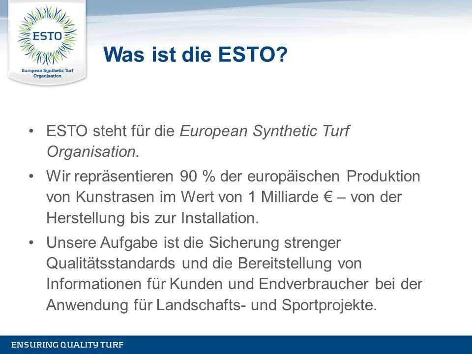 Was ist die ESTO? ESTO steht für die European Synthetic Turf Organisation. Wir repräsentieren 90 % der europäischen Produktion von Kunstrasen im Wert