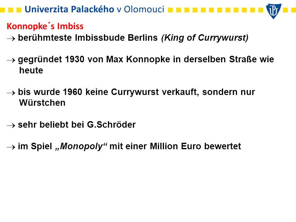 """Konnopke´s Imbiss  berühmteste Imbissbude Berlins (King of Currywurst)  gegründet 1930 von Max Konnopke in derselben Straße wie heute  bis wurde 1960 keine Currywurst verkauft, sondern nur Würstchen  sehr beliebt bei G.Schröder  im Spiel """"Monopoly mit einer Million Euro bewertet"""