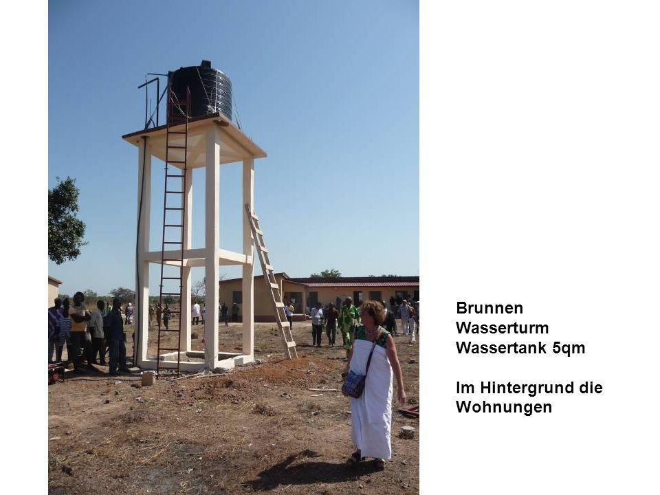 Brunnen Wasserturm Wassertank 5qm Im Hintergrund die Wohnungen