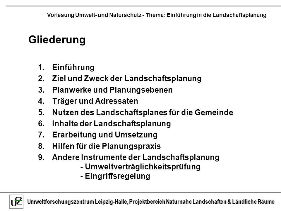 Umweltforschungszentrum Leipzig-Halle, Projektbereich Naturnahe Landschaften & Ländliche Räume Vorlesung Umwelt- und Naturschutz - Thema: Einführung in die Landschaftsplanung Tabelle 2.2.1: Verfahrensschritte der UVP, Durchführende und zu Beteiligende (aus: Scholles 1997, 39, verändert) UVPG§ 3a (vorgesehen)§ 5§ 6§ 11§ 12 Verfahrensschritt Umwelterheblich- keitsprüfung (Screening) Unterrichtung (Scoping) Ermittlung und Beschreibung Zusammenfassen de Darstellung BewertungBerücksichtigung Durchführender Zuständige Behörde Vorhabenträger, zuständige Behörde (Gutachter) Vorhabenträger (Gutachter) zuständige Behörde (Gutachter) zuständige Behörde Beteiligung Behörden noch offen Naturschutzbehö.