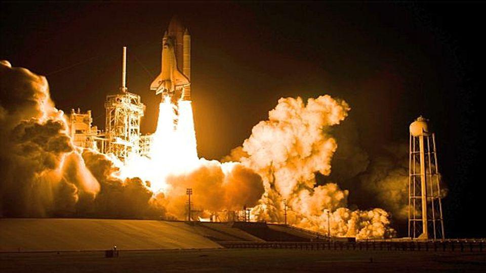 Space Shuttle Discovery bereit für den Start