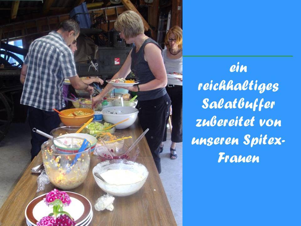 ein reichhaltiges Salatbuffer zubereitet von unseren Spitex- Frauen