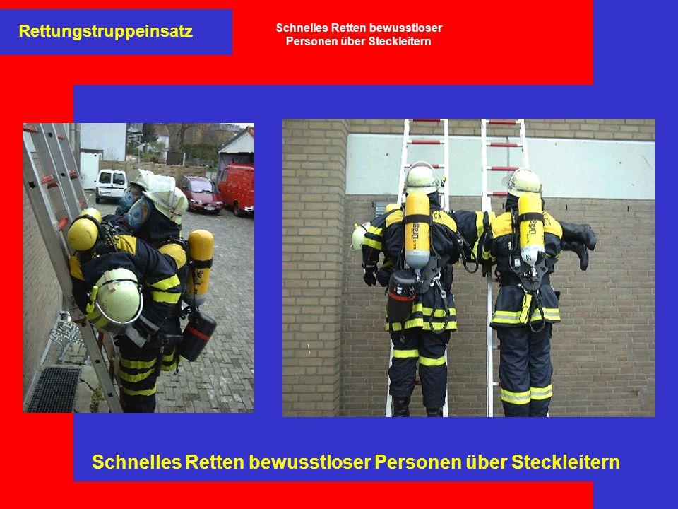 Rettungstruppeinsatz Schnelles Retten bewusstloser Personen über Steckleitern
