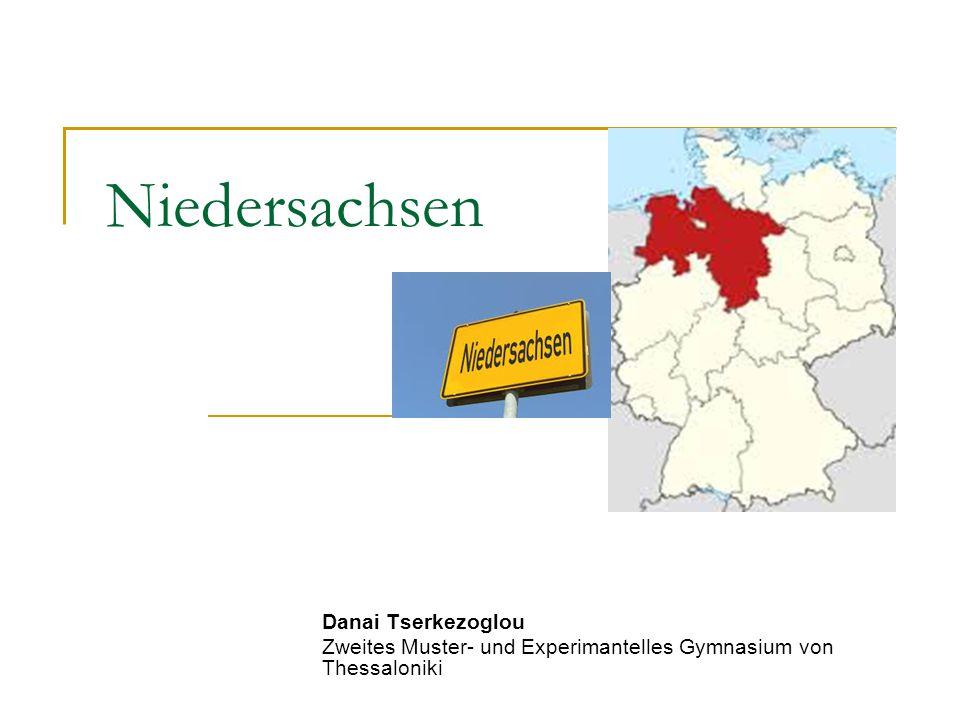 Fakten Fläche: 47.618 km 2 Einwohner: 8 Millionen (ungefahr) Landeshauptstadt: Hannover Längster Fluss: Weser, fließt 353km durch Niedersachen Höchster Berg: Wurmberg (Harz), 971m